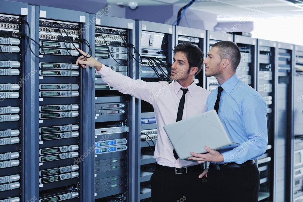 depositphotos_8338557-stock-photo-it-enineers-in-network-server
